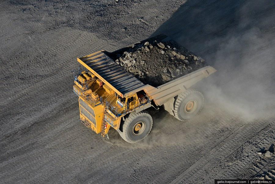 Каждое из колес весит 8 тонн и стоит около миллиона рублей, а для монтажа нуждается в особом по