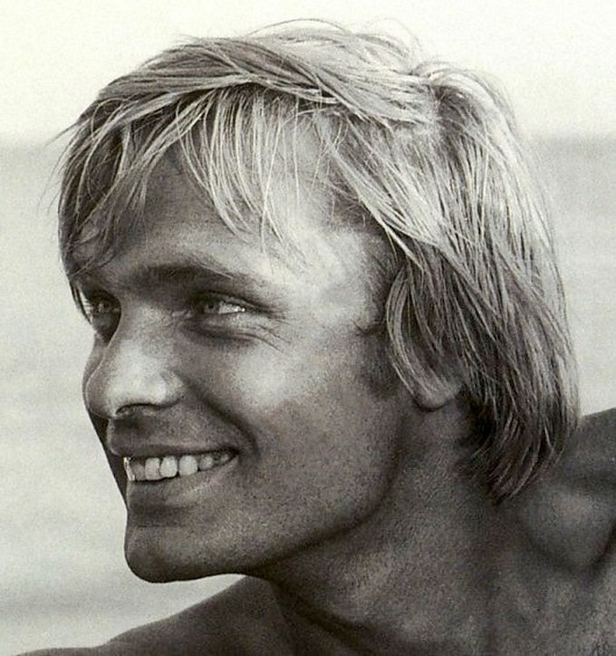 Олег Видов — советский, российский и американский киноактер и кинорежиссер, родился 11 июня 1943 год