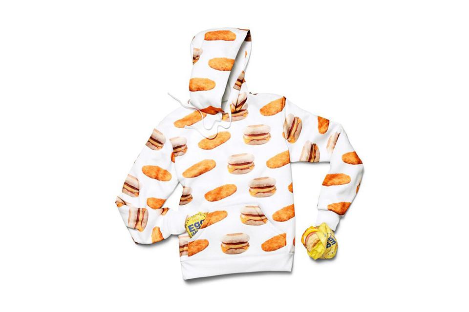 McDonalds выпустил ограниченную коллекцию бесплатной одежды (7 фото)