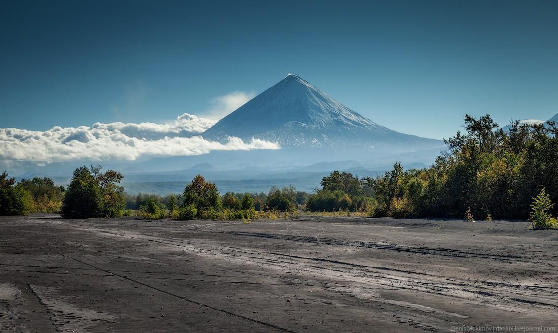 17. Ключевская сопка — самый большой в Евразии действующий вулкан. Высота почти 5 тыс. метров.