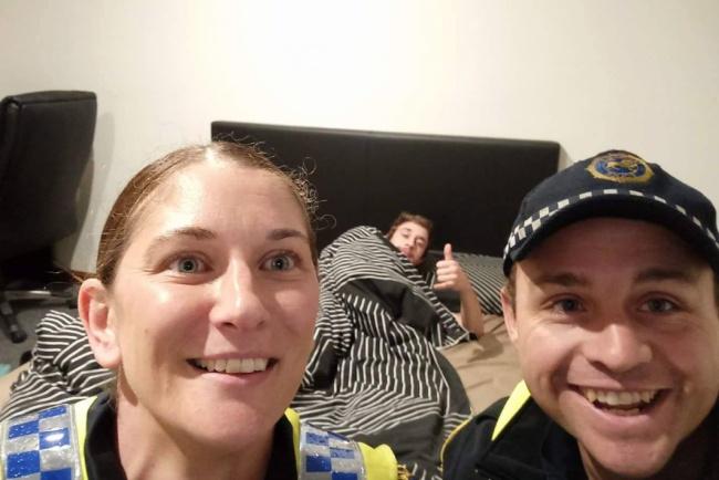 © Tasmania Police/facebook.com     Эти стражи порядка нетолько доставили загуляв