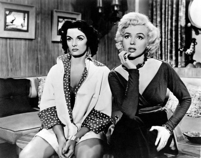 "Американская актриса Грейс Келли Кадр из фильма «В случае убийства набирайте ""М""», 1954 год"