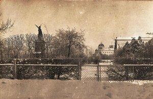 Сквер у памятника атаману Платову