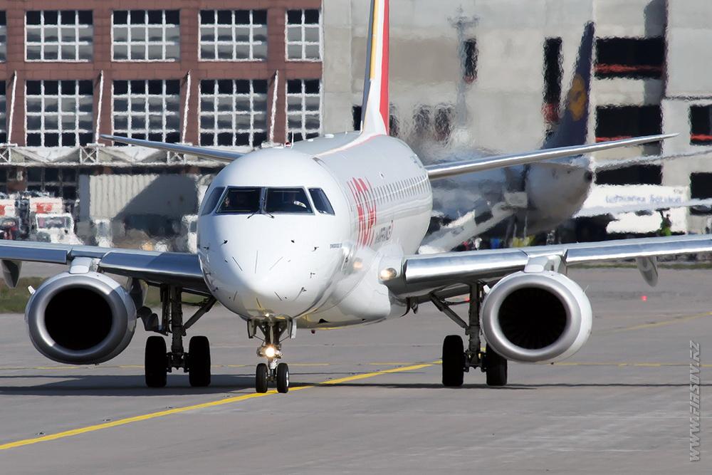 Embraer_ERJ-190_F-HBLI_HOP_3_FRA.JPG