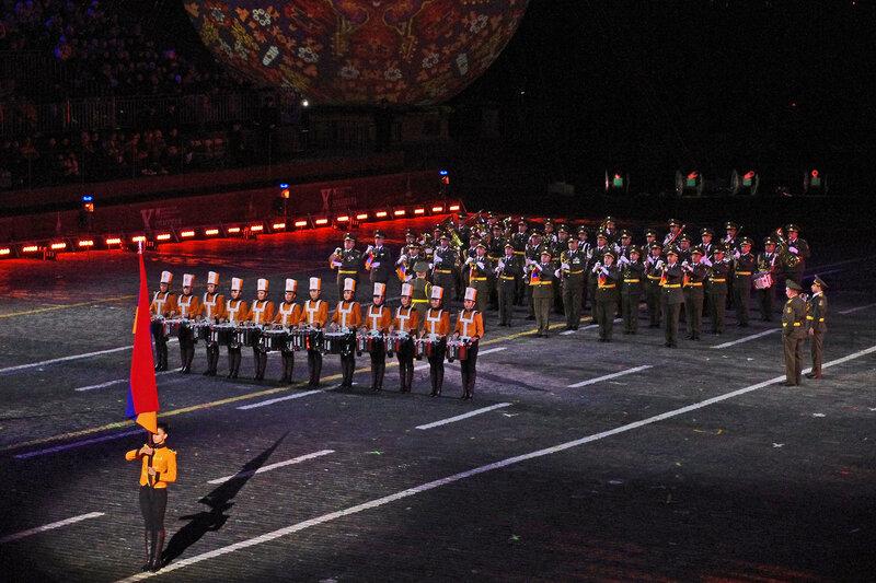 Группа барабанщиц «Ереванские барабаны» и Оркестр Главного штаба Вооруженных сил Армении