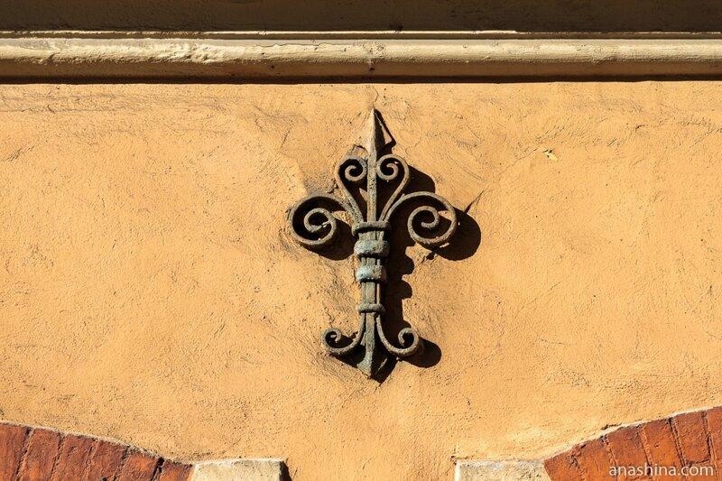 Украшение здания старой Ратуши, Выборг
