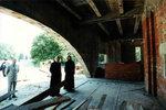 Митрополит Кирилл осматривает выполненные строительные работы