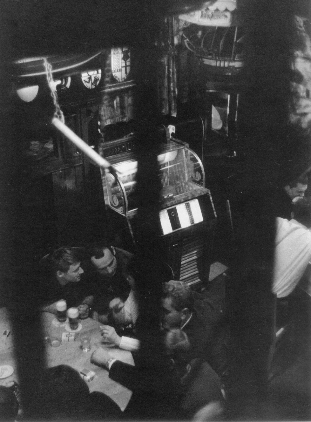 1967. Бистро моряков