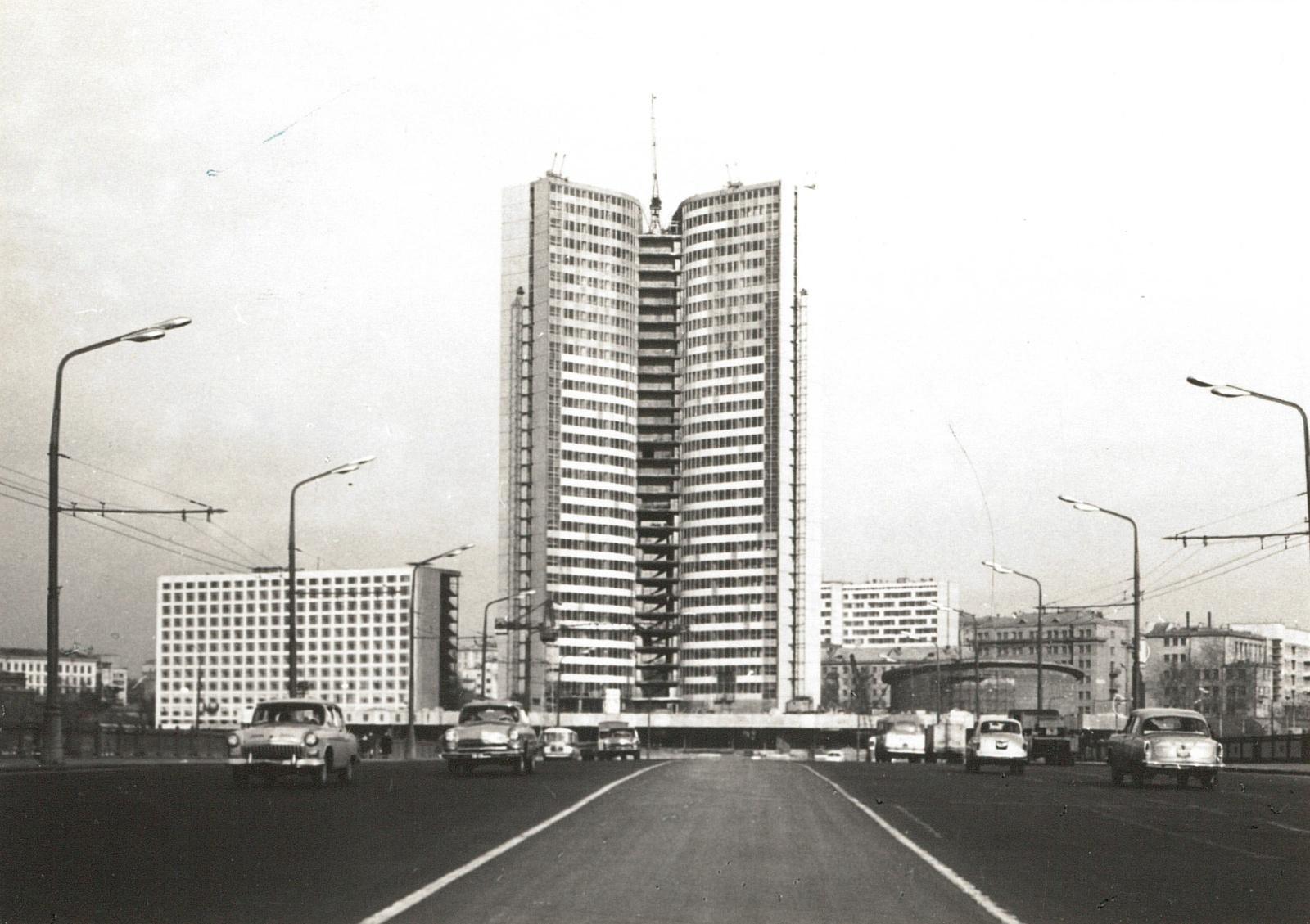Москва. Строящееся здание. 1967