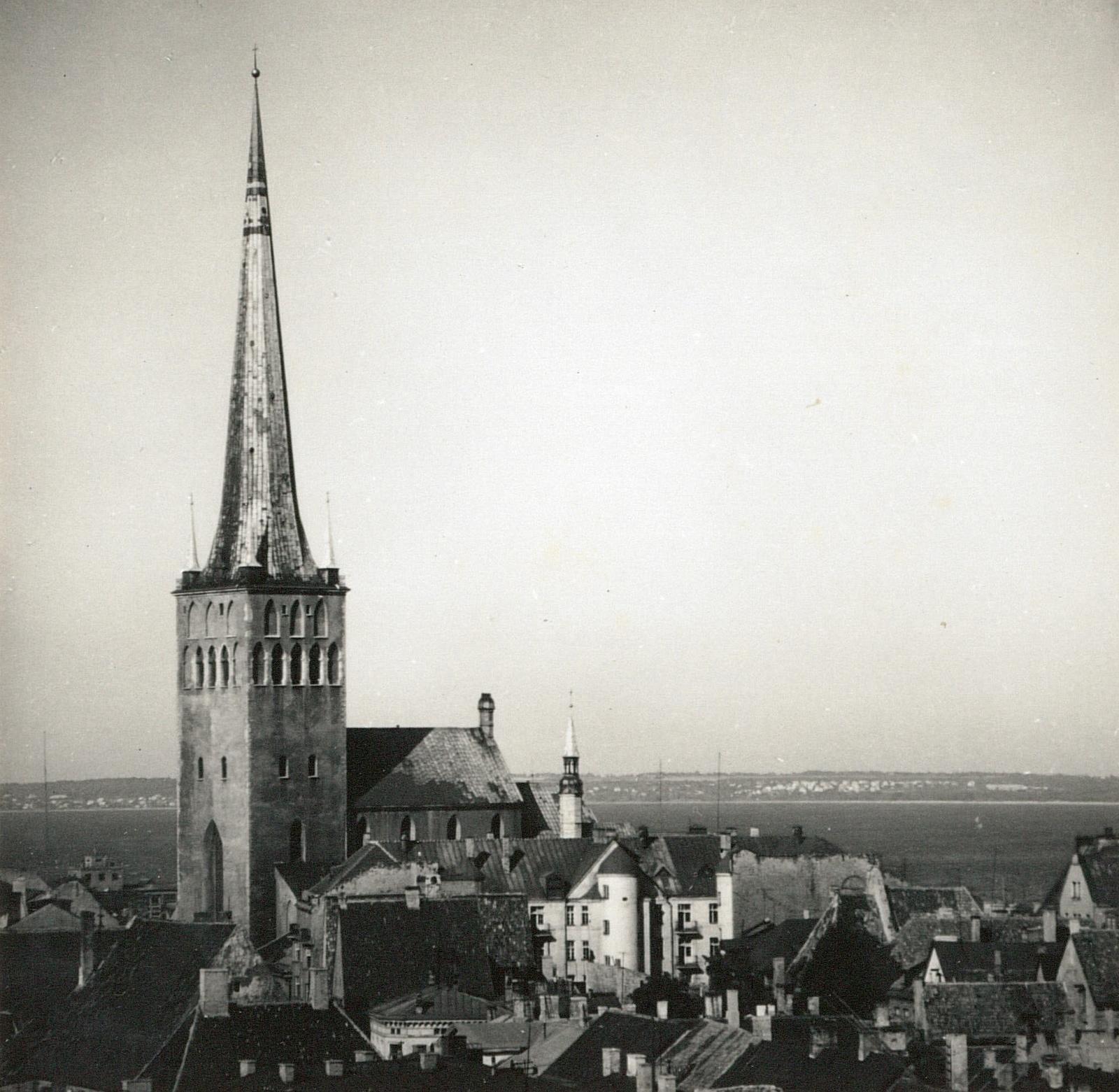 Таллин. Церковь Олевисте. Вид с юго-запада