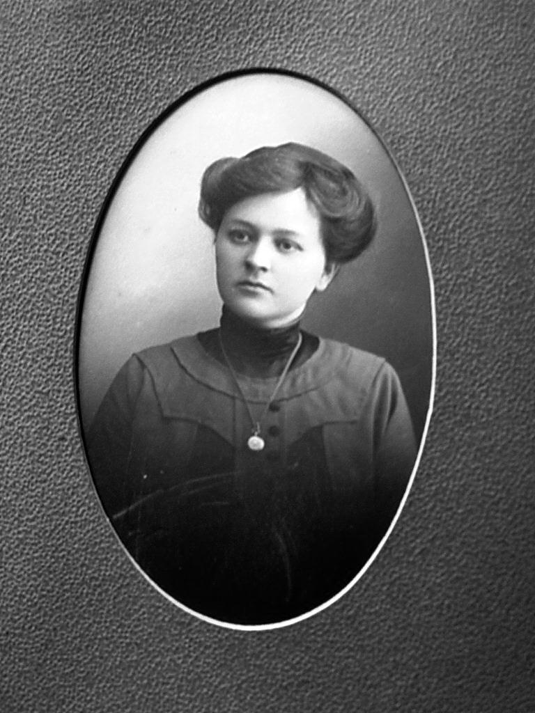 013. Варвара Антоновна - по гимнастике