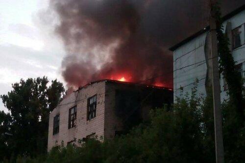 Пожар на Мехкомбинате в Бельцах: фотографии с разных ракурсов