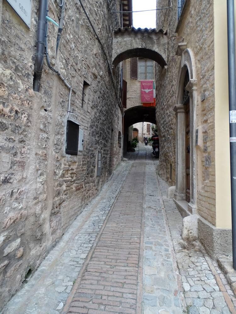 Подскоками по Умбрии (плюс Сиена и Флоренция), май-июнь 2016