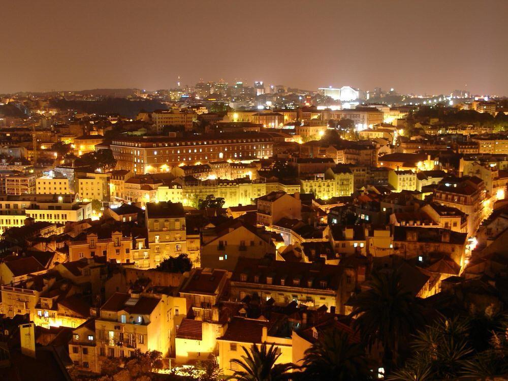 7. Лиссабон, Португалия . Лиссабон сочетает в себе шарм средневековья и мавританского стиля. А местн