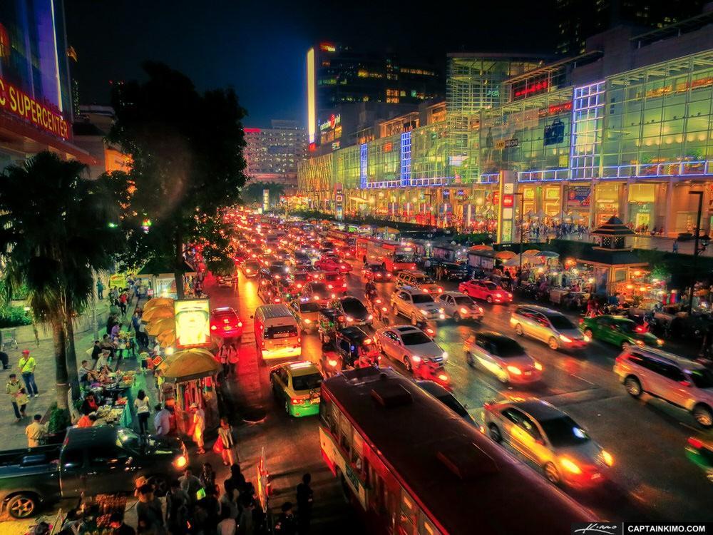 18. Одно из неоспоримых преимуществ тайской столицы — это относительно низкие цены на товары и услуг