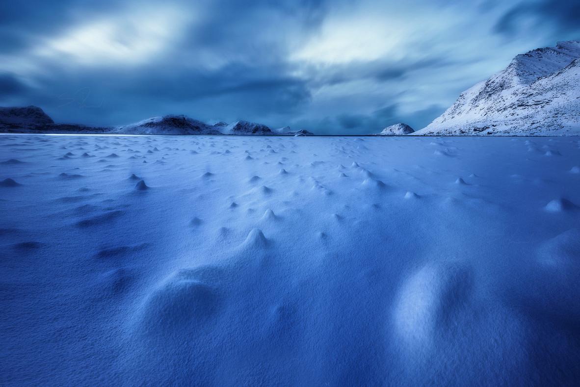 Мрачная красота в пейзажах Саймона Роппеля