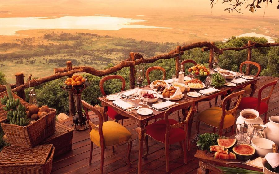 11. Ngorongoro Crater Lodge, Ргоронгоро, Танзания Ресторан и отель расположен прямо на краю огромног