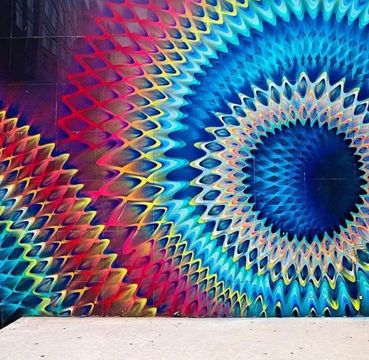 Hoxxoh - The mesmerizing and colorful street art of Douglas Hoekzema