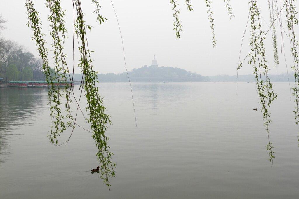 Нефритовый остров, озеро Бэйхай, Пекин