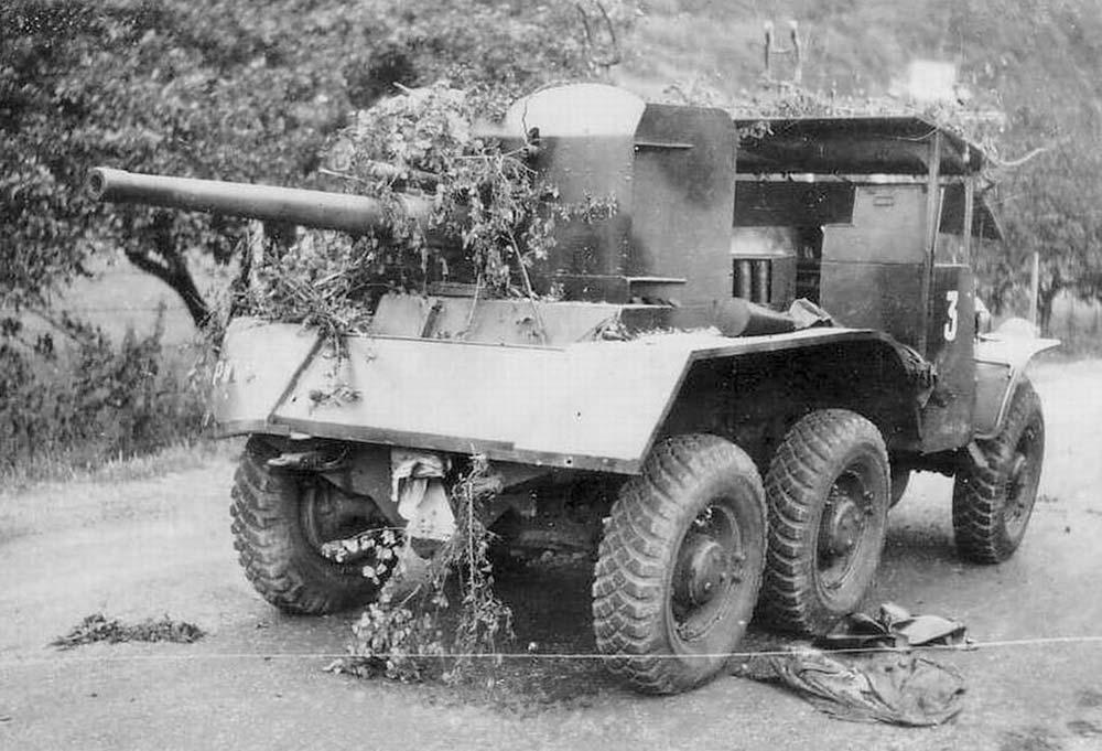 ACE № 72537 - Французская противотанковая тачанка (6x6) W15T-CC
