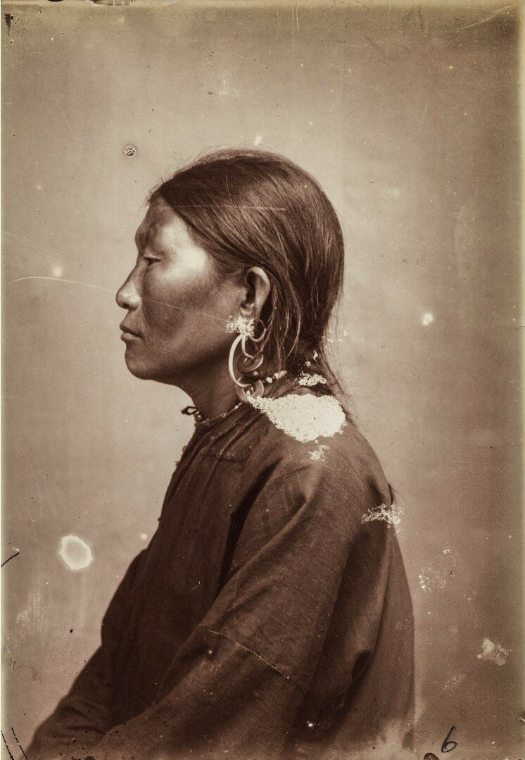 Антропометрический снимок женщины нивхи