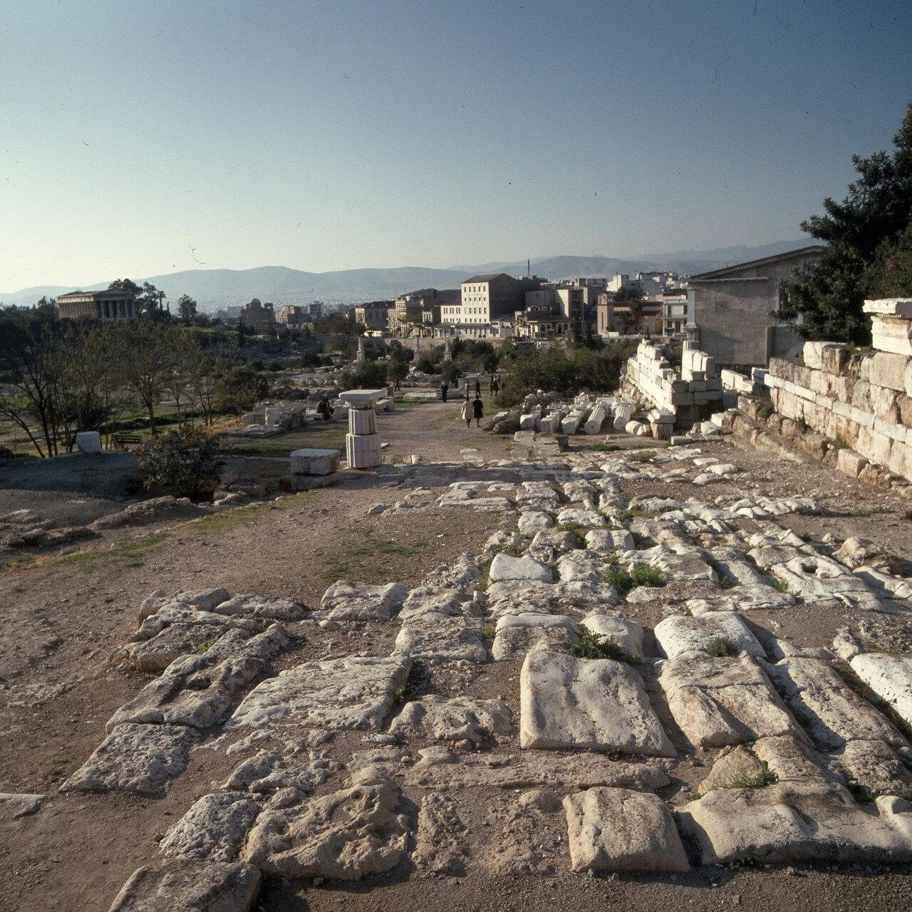 Афины. Агора. Древняя дорога к стадиону Панатинаикос над Стоа Аттала