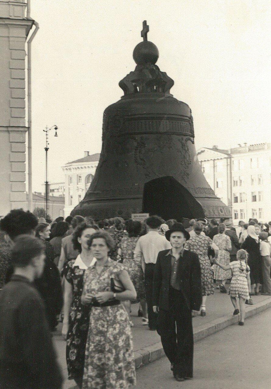 Кремль, Соборная площадь. Царь-колокол