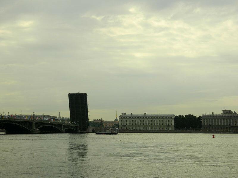 Раскрытый Троицкий мост