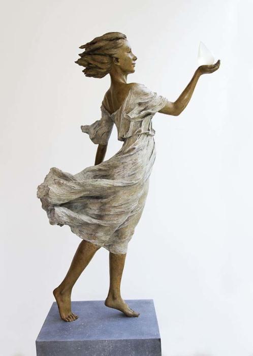 Поразительные скульптуры в стиле ню от китаянки Лу Ли Рон