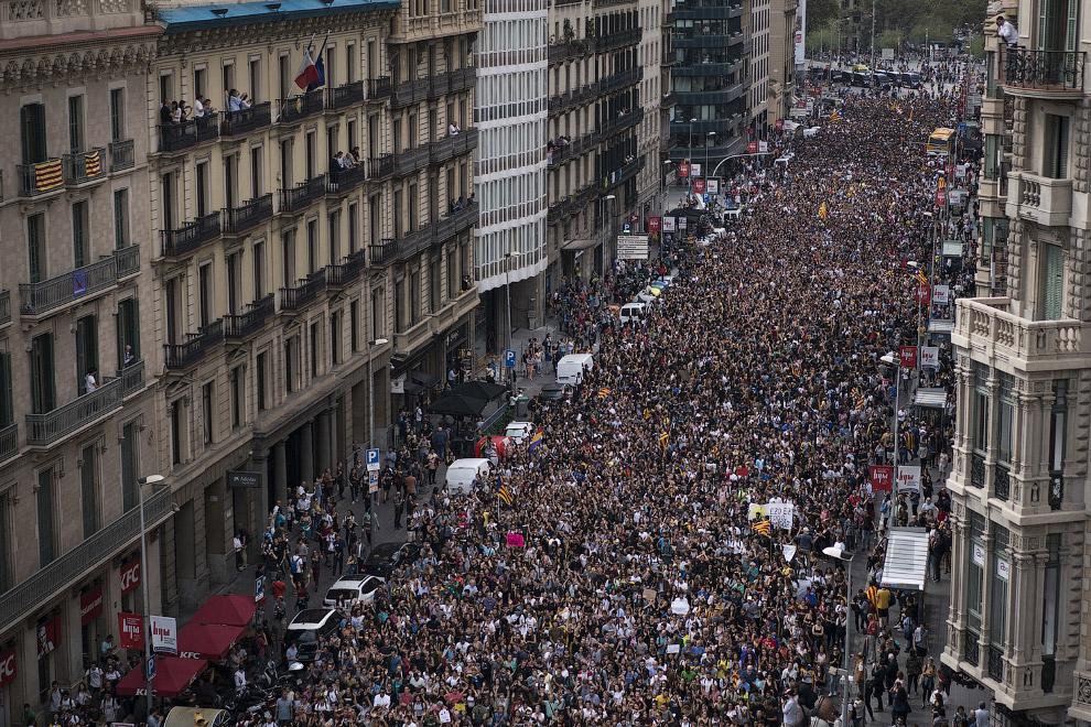 25. Всеобщая забастовка пройдет во вторник. В Барселоне почти не будет работать общественный транспо