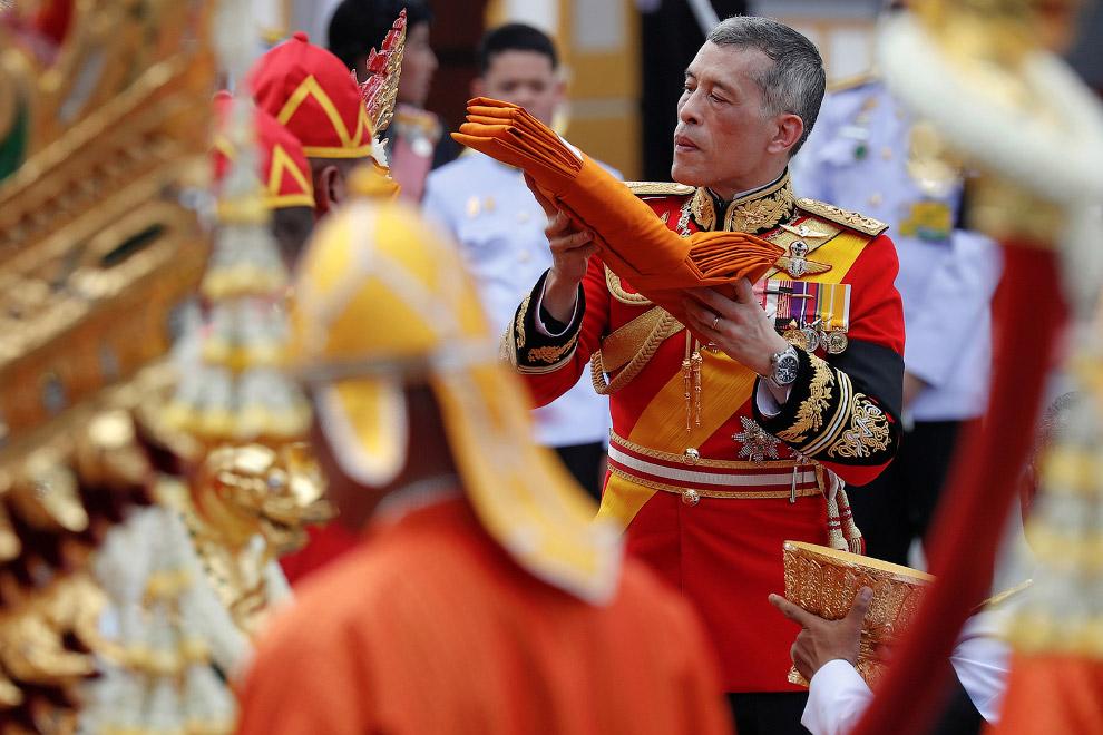 15. Поклон королю. (Фото Soe Zeya Tun | Reuters):