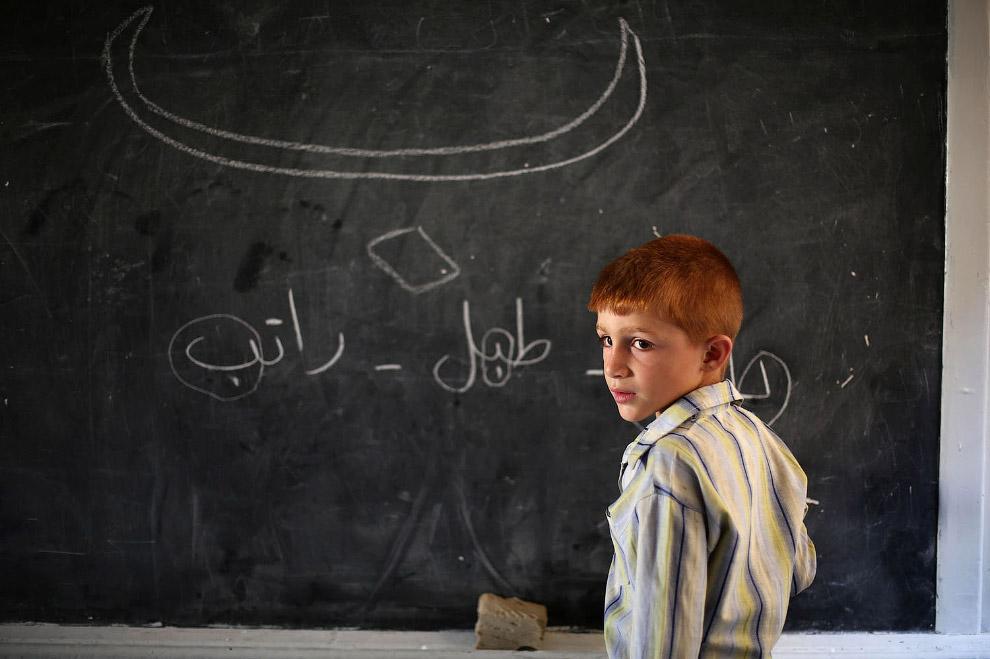 13. Довольно прилично сохранившаяся школа Думе, 18 сентября 2017. (Фото Amer Almohibany):