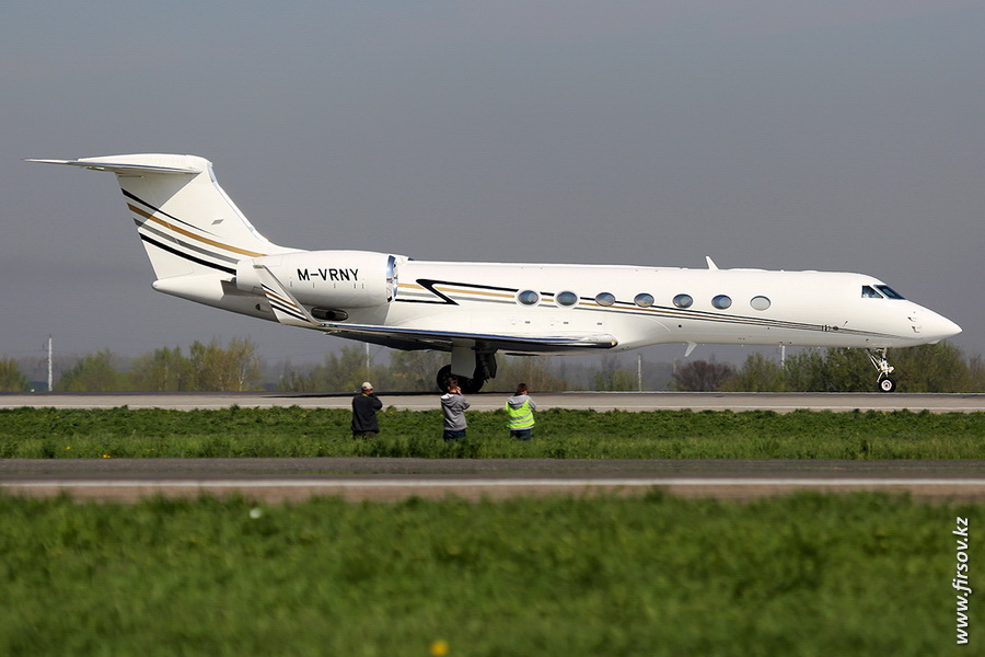 Gulfstream_G550_M-VRNY_Private_2_ALA.JPG