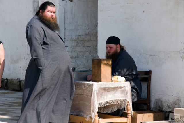 Россияне хотят, чтобы их детям преподавали ПДД и основы военной подготовки, а не религии
