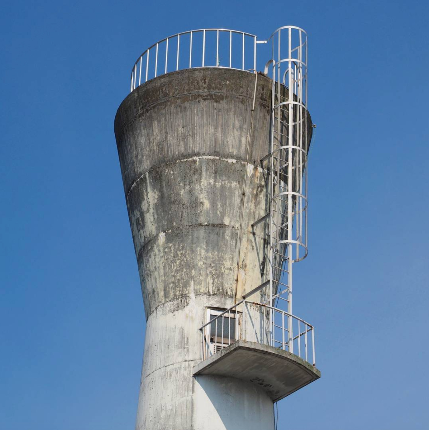 Instagram Account Dedicated to Japanese Water Towers (12 pics)