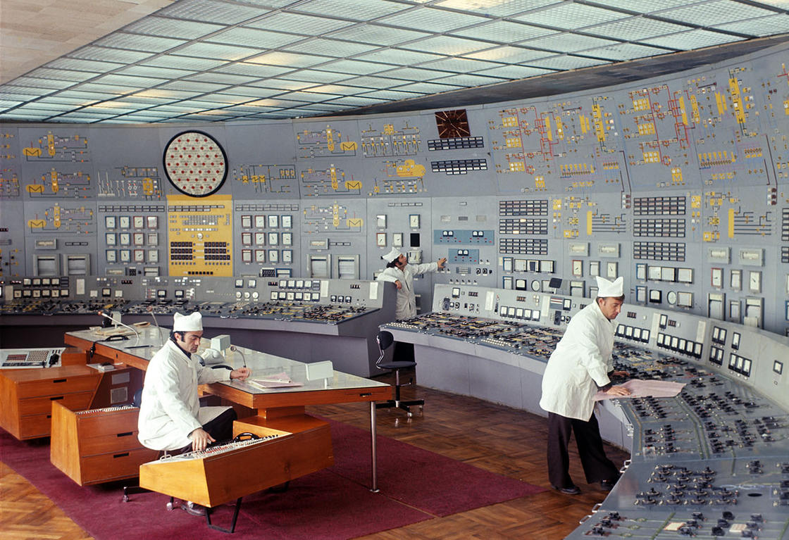 The vintage beauty of Soviet control rooms (21 pics)