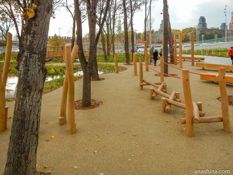 """Детская площадка, парк """"Зарядье"""", Москва"""