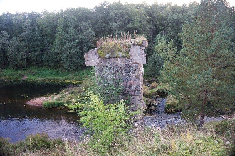 основы моста через Оредеж на насыпи Чудово - Веймарн