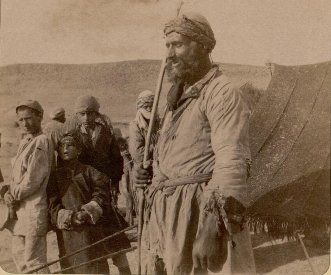 27. Окрестности Эривани. Курды