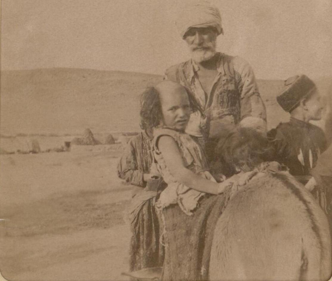 28. Окрестности Эривани. Курды