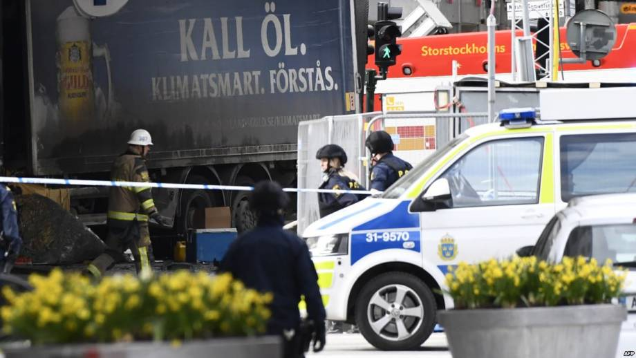 Подозреваемый в нападении в Стокгольме признал себя виновным в начале суда