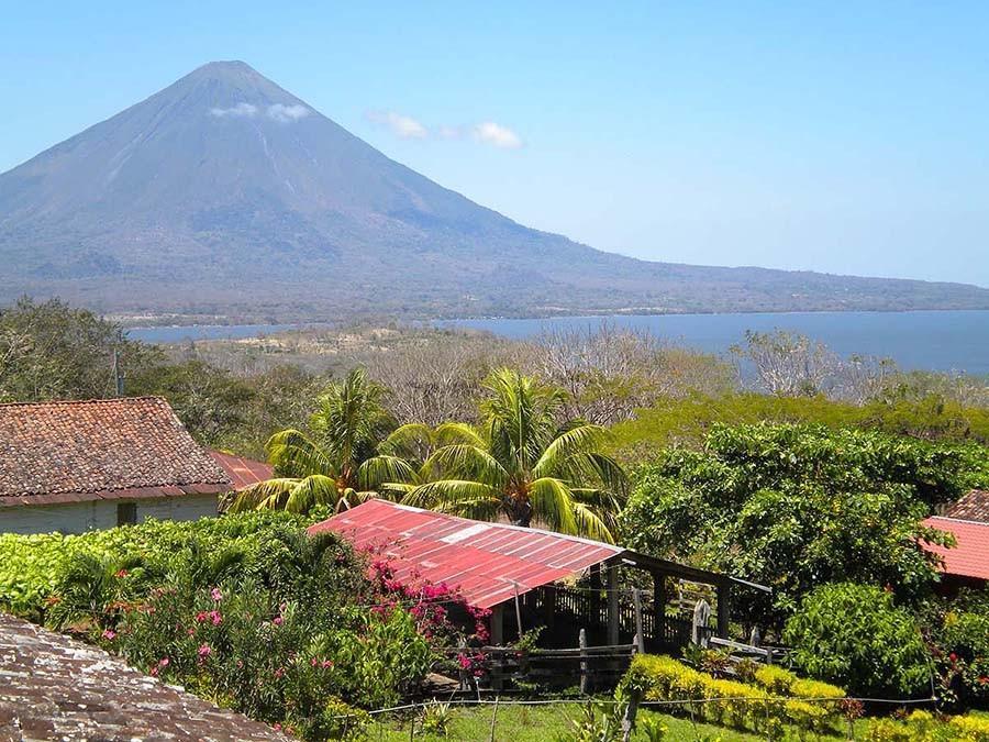 14. Спуск с вулкана — Леон, Никарагуа Леон — небольшой городок, стоящий в тени огромного вулкана Сер