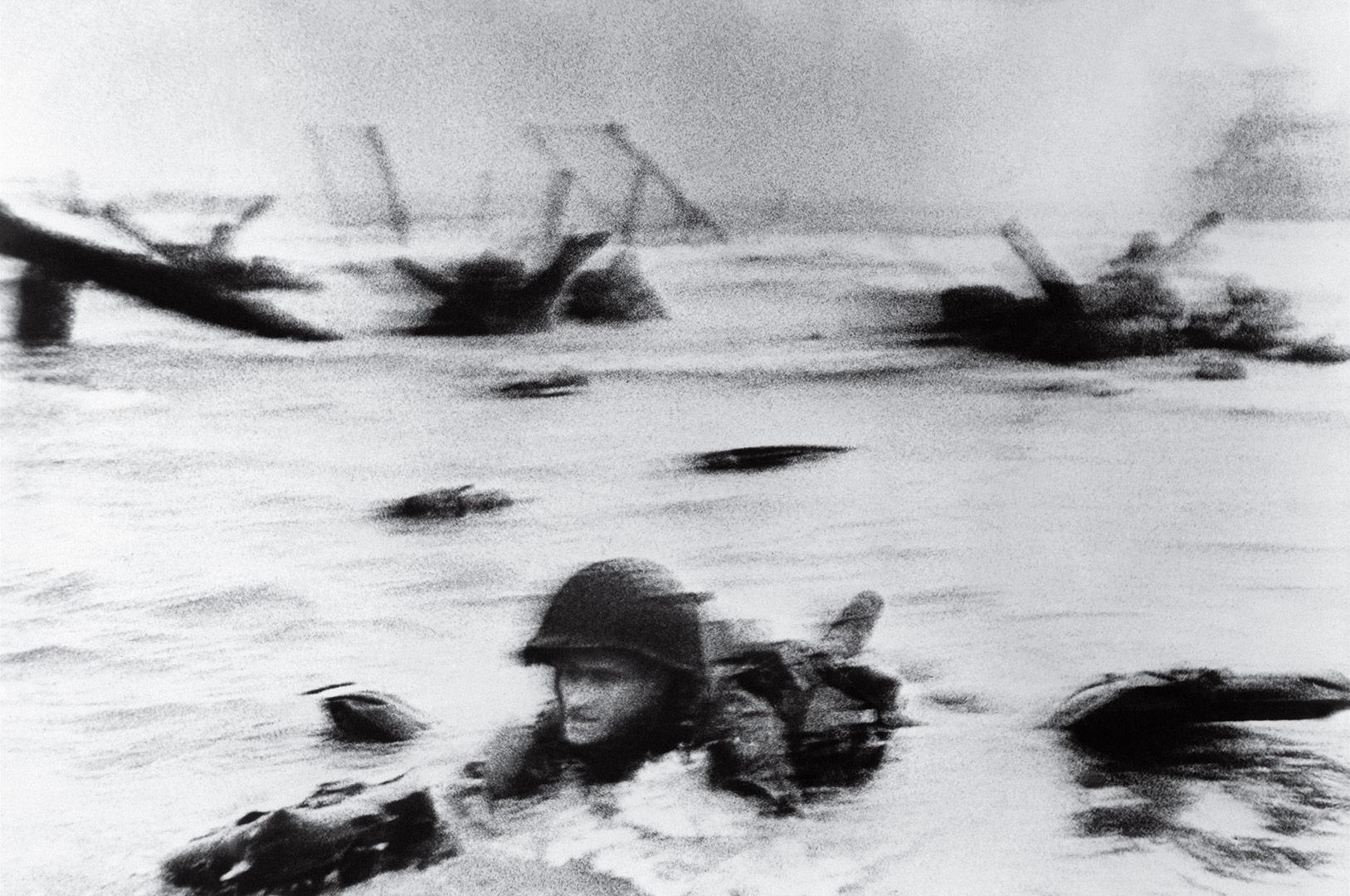 time-100-influential-photos-robert-capa-d-day-34.jpg