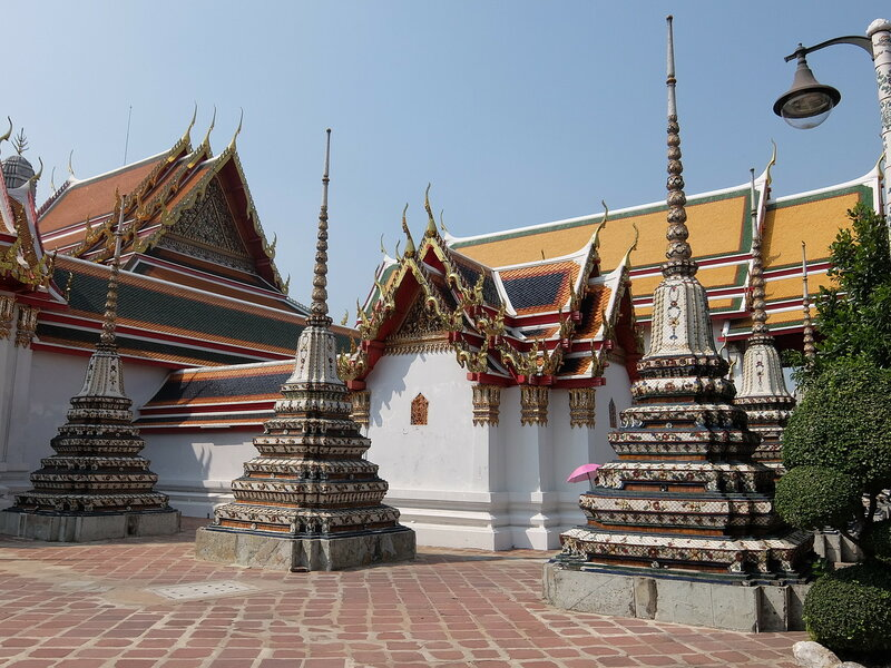 Бангкок - Во дворе Храма Ват Пхо
