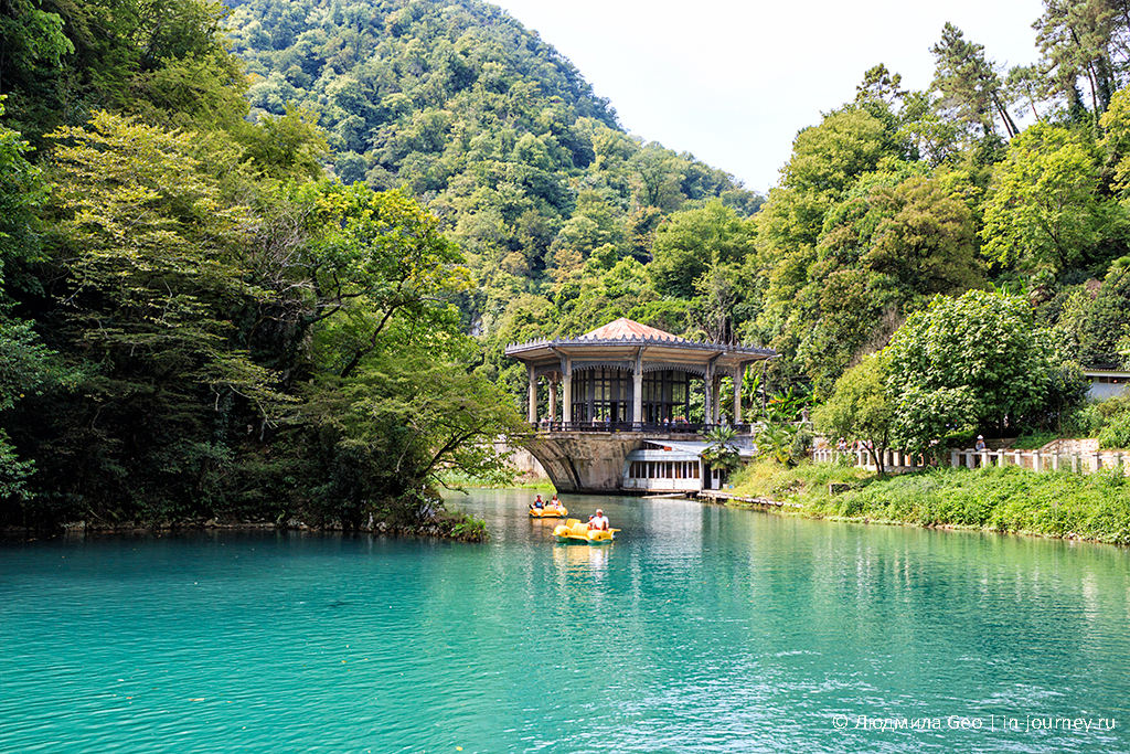 озеро Псырцха в Абхазии фото
