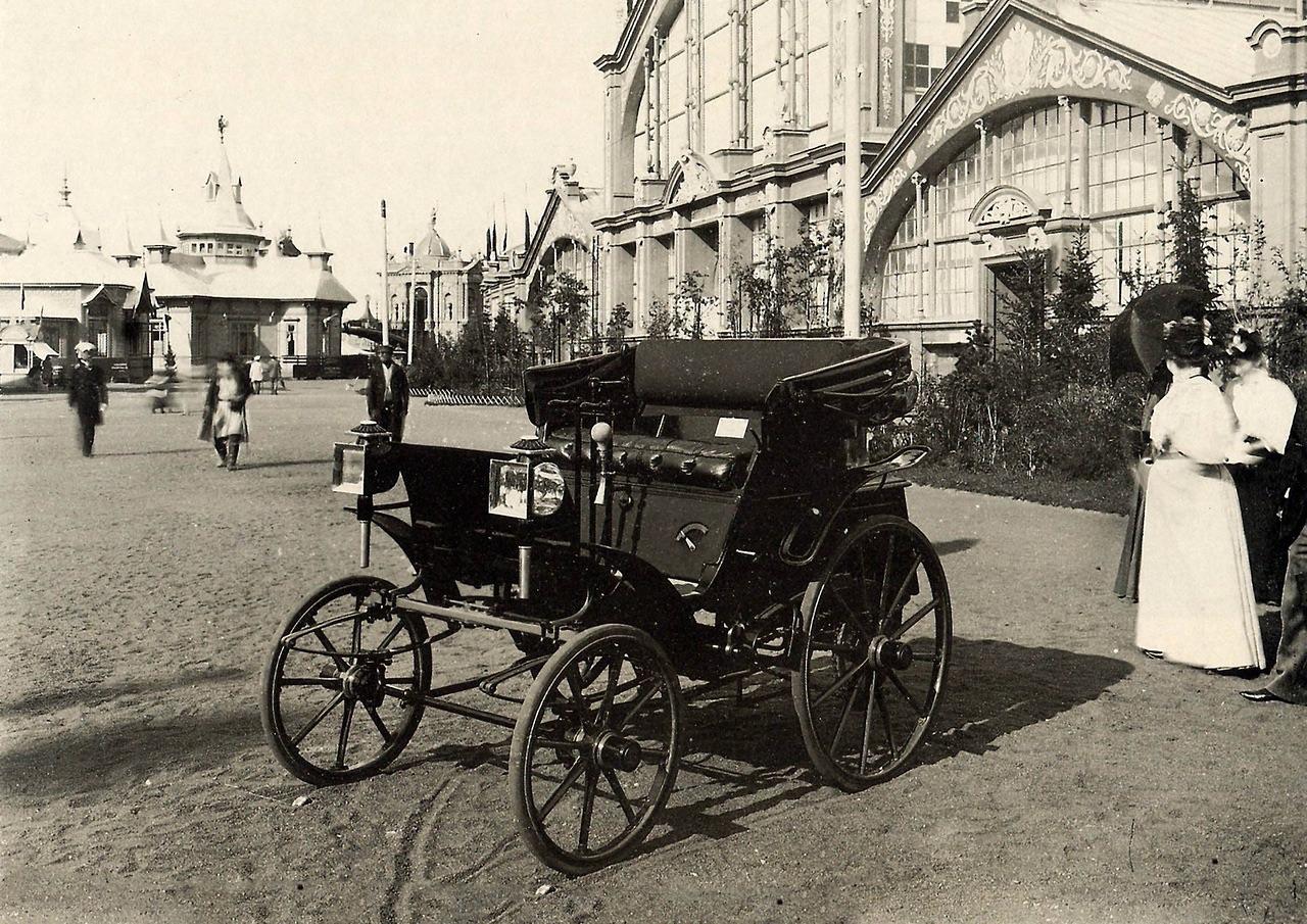 Первый русский автомобиль - экспонат Всероссийской промышленной и художественной выставки