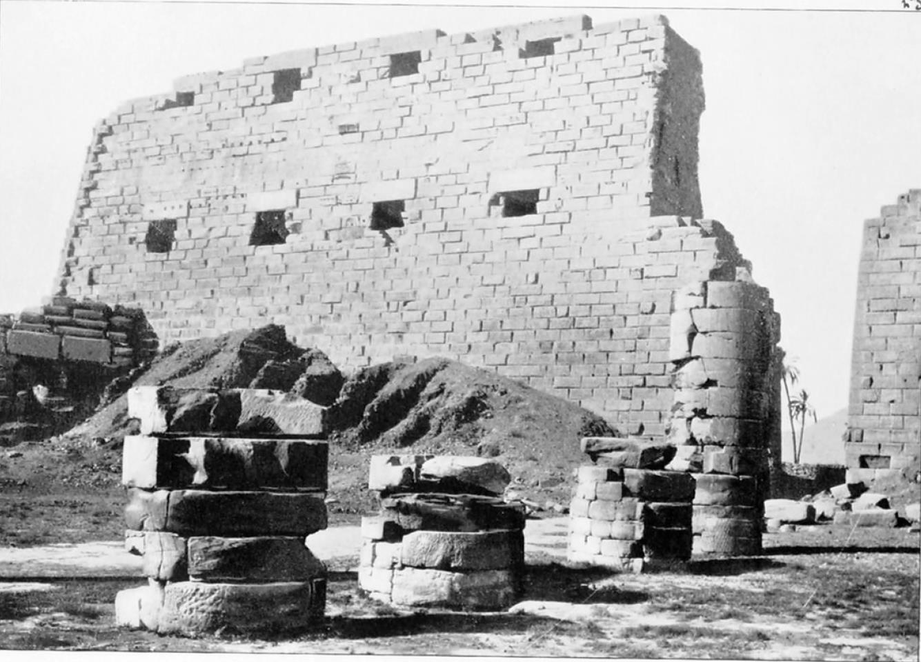 Карнак. Храм Амон-Ра. Первый пилон