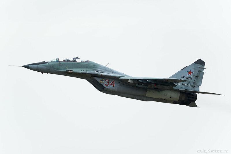 Микоян-Гуревич МиГ-29УБ (RF-92265 / 34 красный) ВКС России 0176_D805894