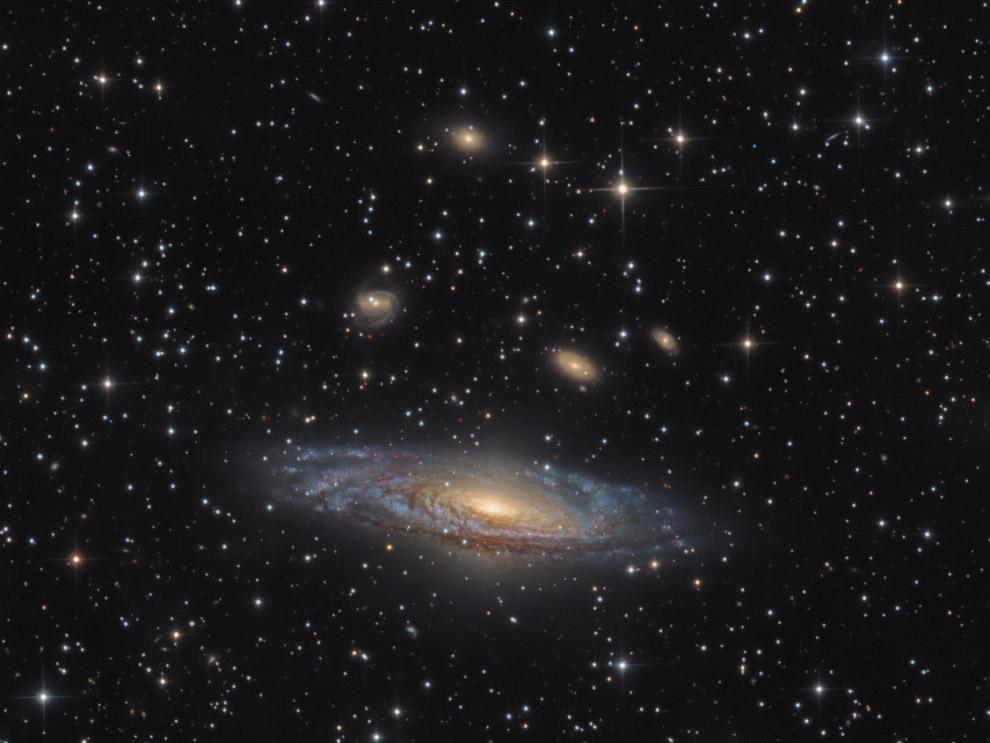 8. Категория «Галактики». «Галактика-Игла» NGC 4565. Расположена в 40 млн. световых лет от Зе