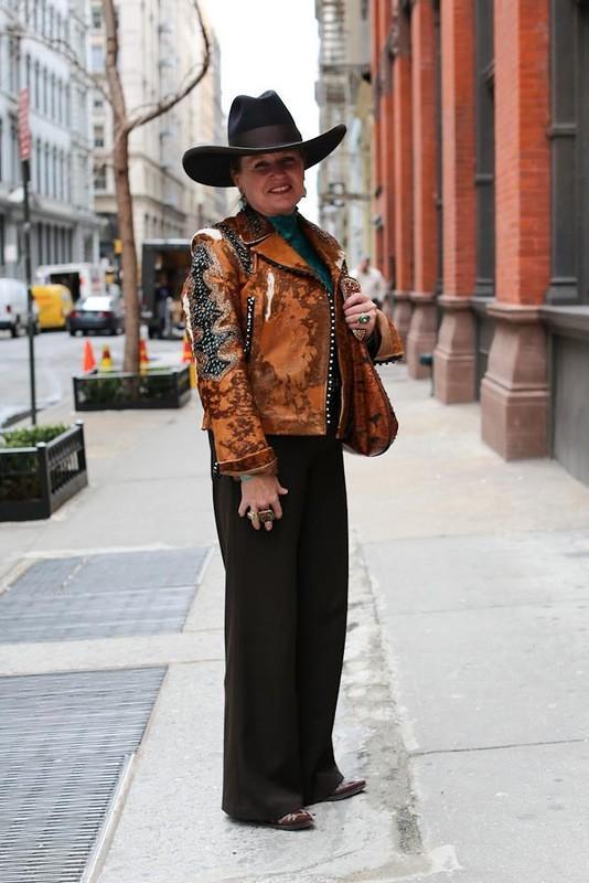 60. Когда она уходила, то обернулась и сказала: «Помни, девушки-ковбои есть везде».
